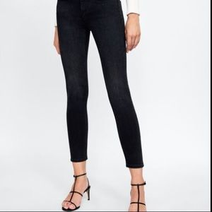 Zara Basic 1975 mid rise skinny jeans Black Size 6
